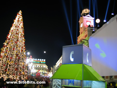 Madrid: Puerta del Sol: New Year's