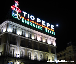The Tío Pepe sign at night