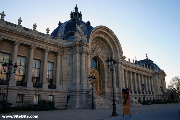 Petit Palais from Ave W. Churchill