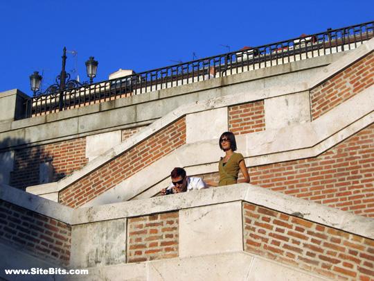 Jardines de Sabatini: Alban & Ree on the Staircase