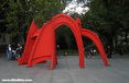 Brooklyn Bridge: Calder Stabile